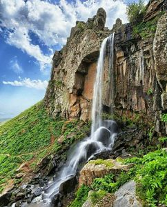 عکس/ آبشاری دیدنی در گیلان