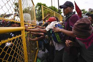 عکس/ درگیری در مرز آمریکا و مکزیک