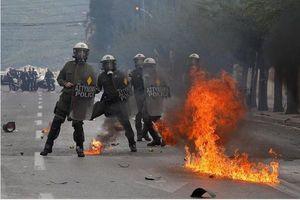 درگیری پلیس یونان با جوانان معترض+عکس