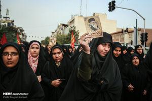 عکس/ عزاداری دانشجویان از دانشگاه تهران تا بیت رهبری