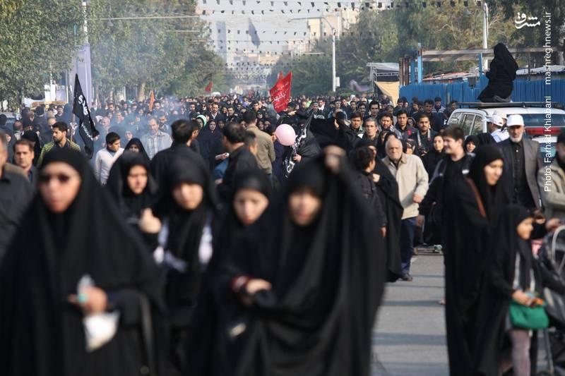 2374808 - ندای لبیک یا حسین در تهران طنین انداز شد