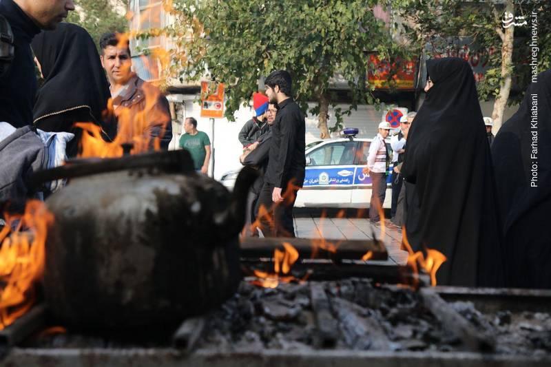 2374809 - ندای لبیک یا حسین در تهران طنین انداز شد