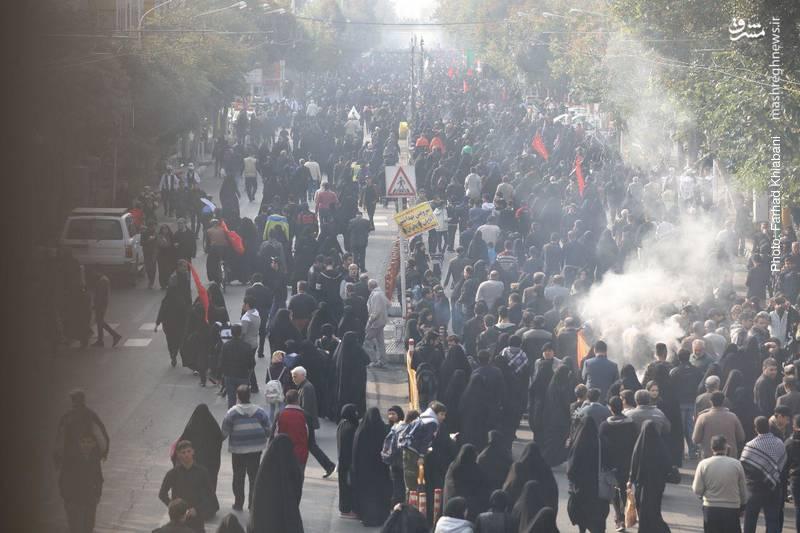 2374829 - ندای لبیک یا حسین در تهران طنین انداز شد