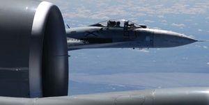 تقابل جنگندههای انگلیسی و بمبافکنهای روسی