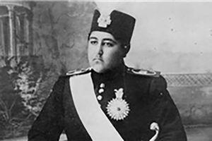 فیلم/ چگونگی خلع قاجاریه توسط رضاخان!