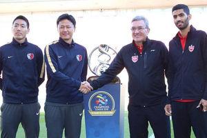 عکس یادگاری برانکو با جام قهرمانی آسیا