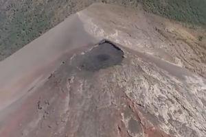فیلم/ لحظه فوران آتشفشانی در گواتمالا!