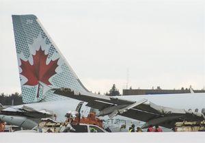 برخورد دو هواپیما