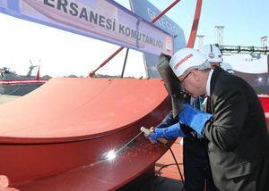عکس/ جوشکاری زیردریایی توسط اردوغان