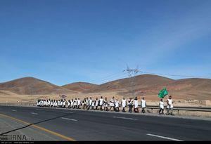 عکس/ پیادهروی زائران حرم رضوی