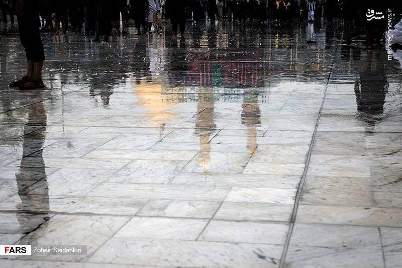 2379070 - بین الحرمین در یک روز بارانی
