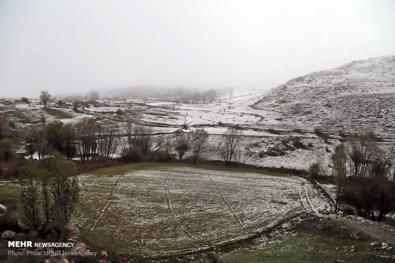 بارش برف پاییزی