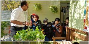هدیهای که موجب شد گل از گل دانشآموزان بشکفد +عکس