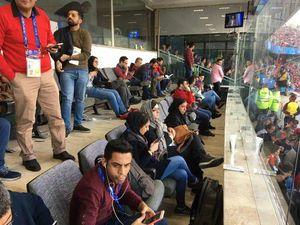 عکس/ بانوان خبرنگار هم به استادیوم آمدند