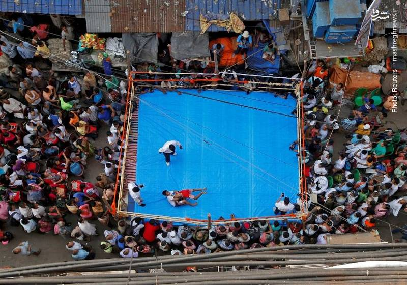 رقابت کشتیگیران آماتور در کلکلته هند به مناسبت جشنواره مذهبی دیوالی