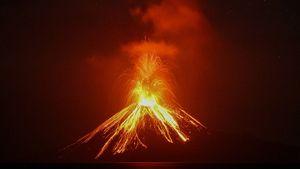 تصاویری از فوران آتش فشان در اندونزی