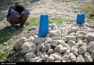 عکس/ اولین سالگرد قربانیان زلزله کرمانشاه