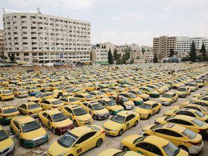 عکس/ اعتصاب گسترده رانندگان تاکسی در اردن