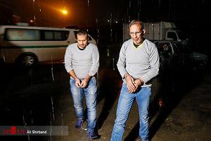 عکس/ سلطان سکه و همدستش لحظاتی پیش از اعدام