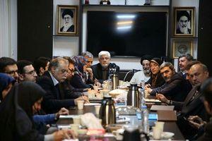 عارف به عنوان رئیس شورای عالی اصلاحطلبان انتخاب شد