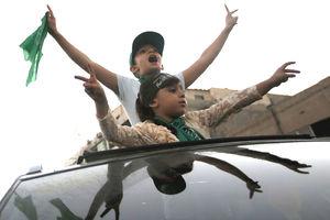 شادی غزه مقاوم/ جهنم در پاردایس کالیفرنیا/ آموزش نظامی به کودکان اوکراینی!+ تصاویر