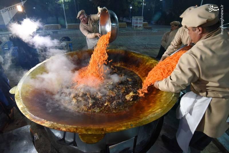 پخت آش پلو در دوشنبه، پایتخت تاجیکستان