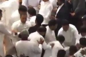 فیلم/ کتک کاری در پارلمان سریلانکا!