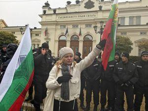 عکس/ اعتراض به گرانی سوخت در بلغارستان