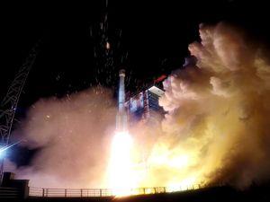 چین 2 ماهواره جدید به فضا پرتاب کرد
