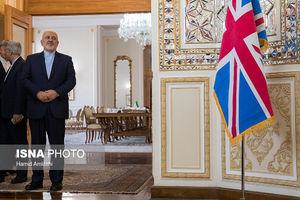 استقبال عجیب ظریف از وزیر خارجه انگلیس +فیلم