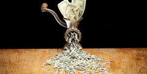 یک گام دیگر برای مقابله با سلطه دلار