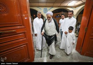 عکس/ حضور قرائتی در جشن هفته وحدت در کیش