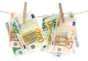 ۱.۴۰۰.۰۰۰.۰۰۰.۰۰۰ دلار پولشویی سالانه در آمریکا و اروپا