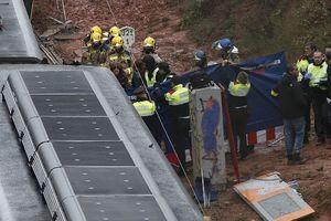 عکس/  45کشته و زخمی در حادثه قطار در اسپانیا