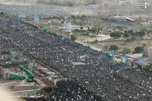 عکس/ جشن میلاد پیامبر با حضور میلیونی یمنیها