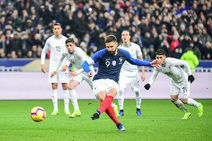 پیروزی فرانسه مقابل اروگوئه