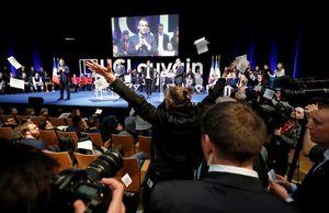 اعتراض به سیاسیت های ماکرون در هنگام سخنرانی وی در بلژیک