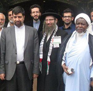 عکس/ رهبر شیعیان نیجریه در کنار دیپلمات شهید منا