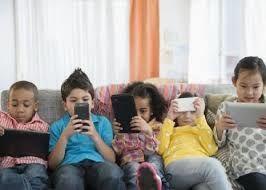 چگونه کودکان را در فضای مجازی مدیریت کنیم؟