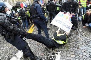 آشوب در قلب فرانسه