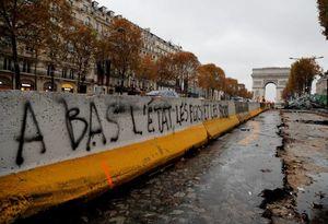 عکس/ بلایی که مردم بر سر پاریس آوردند