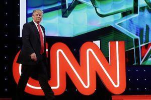 ترامپ خواستار راهاندازی یک شبکه تلویزیونی شد