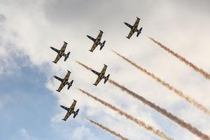 عکس/ هنرنمایی جنگندههای ایرانیوخارجی در آسمان کیش