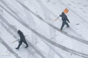 فیلم/ بارش یک متر و نیم برف در کردستان!