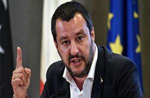 فیلم/ تخریب خانه مافیا به دست وزیر کشور ایتالیا