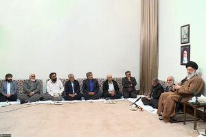 عکس/ دیدار جمعی از هنرمندان با رهبرانقلاب