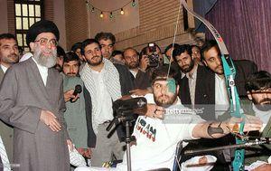 عکس/ تیراندازی یک جانباز درحضور رهبر انقلاب