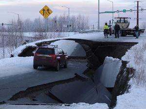 عکس/ خسارت زلزله مهیب در آلاسکا آمریکا