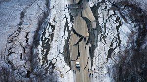فیلم/ لحظه وقوع زلزله شدید در آلاسکا