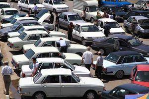 مقاومت دلالان در برابر کاهش قیمت خودرو